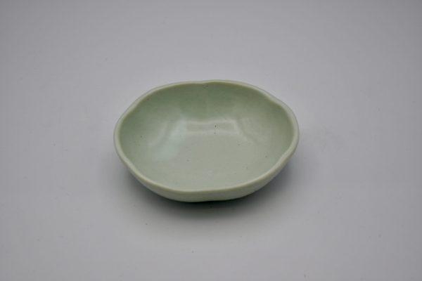 花形小鉢(薄グリーン)